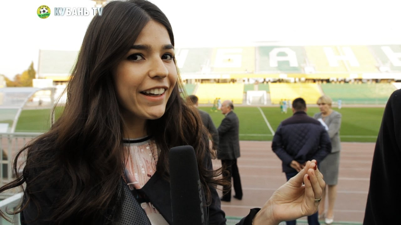 Hablando del futbol con la Miss Paraguay